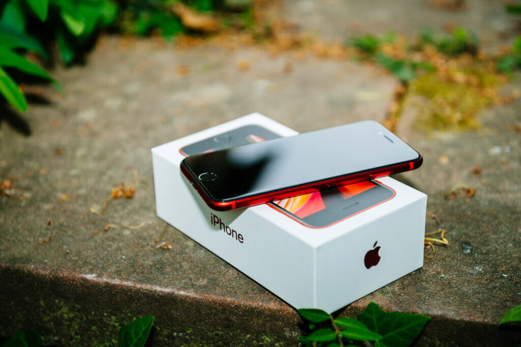 iPhone SE på afbetaling uden abonnement ⇒ Fra 184 kr. / md.